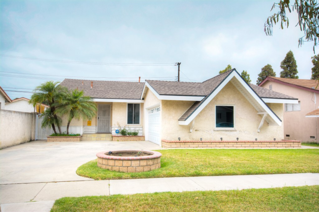 Photo of 20707 Belshire Ave  Lakewood  CA