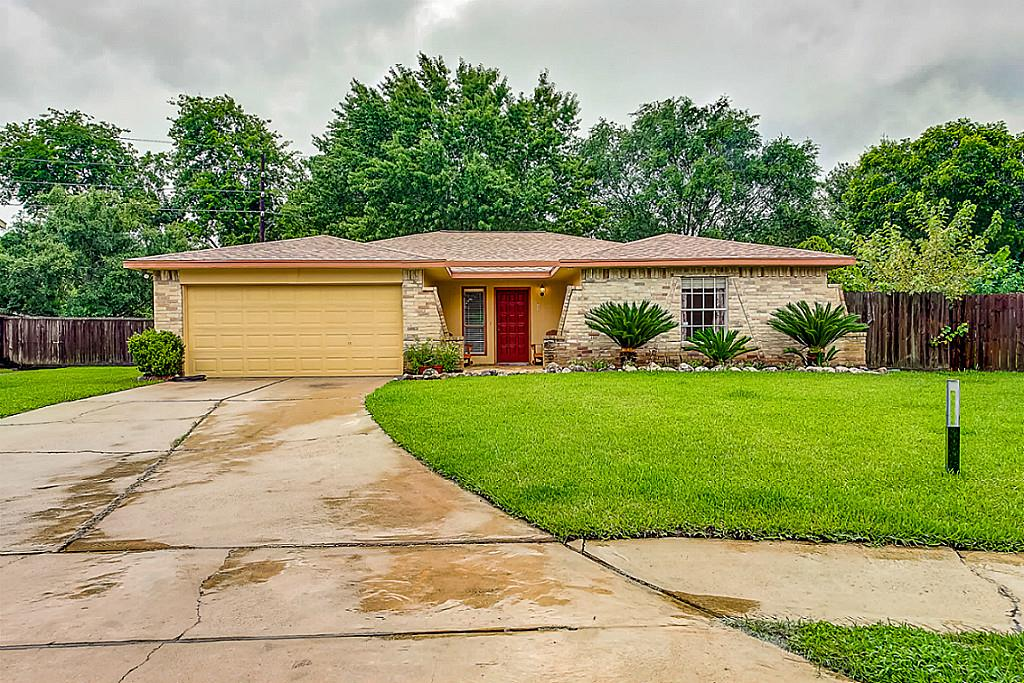 Photo of 2502 Cobble Ridge Drive  Sugar Land  TX
