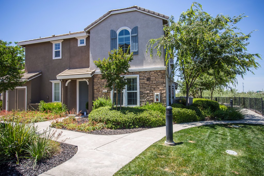 Photo of 6184 Lonetree Blvd  Rocklin  CA