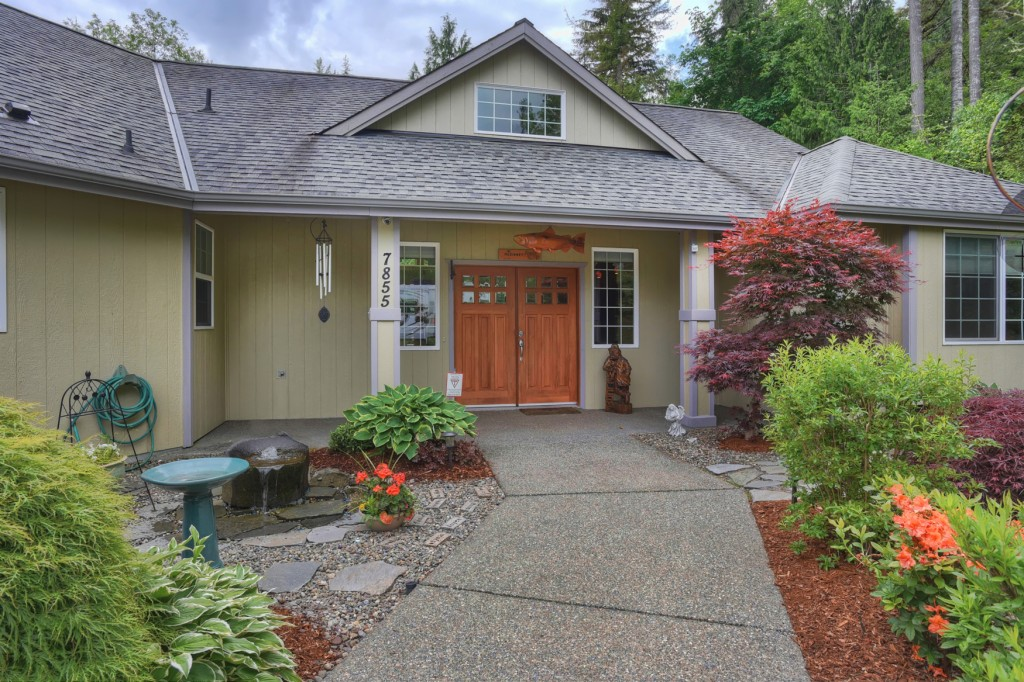 Photo of 7855 E Grapeview Loop Rd  Allyn  WA