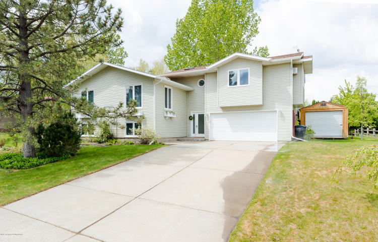 Photo of 562 7th Ave SW  Dickinson  ND