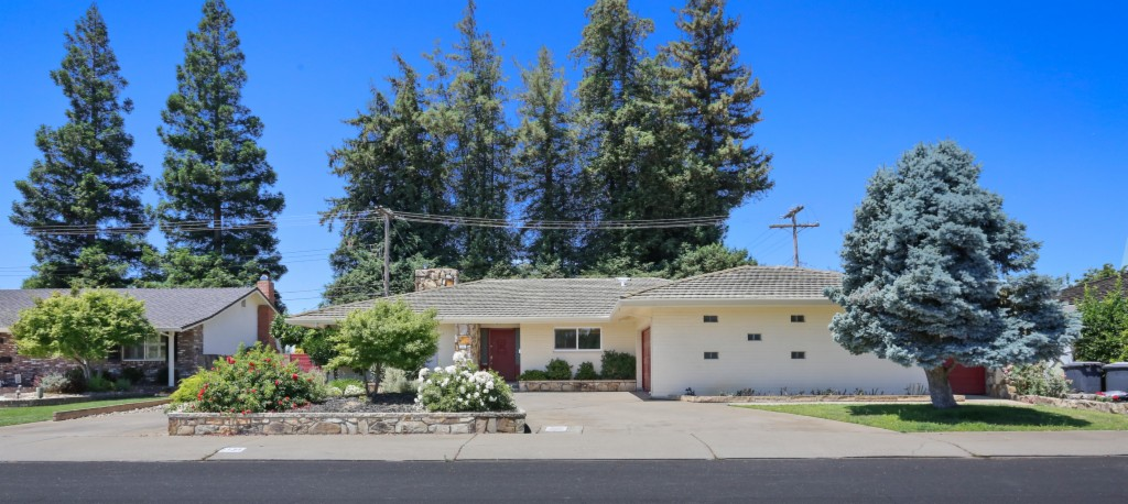 Photo of 1131 Lakewood Drive  Lodi  CA