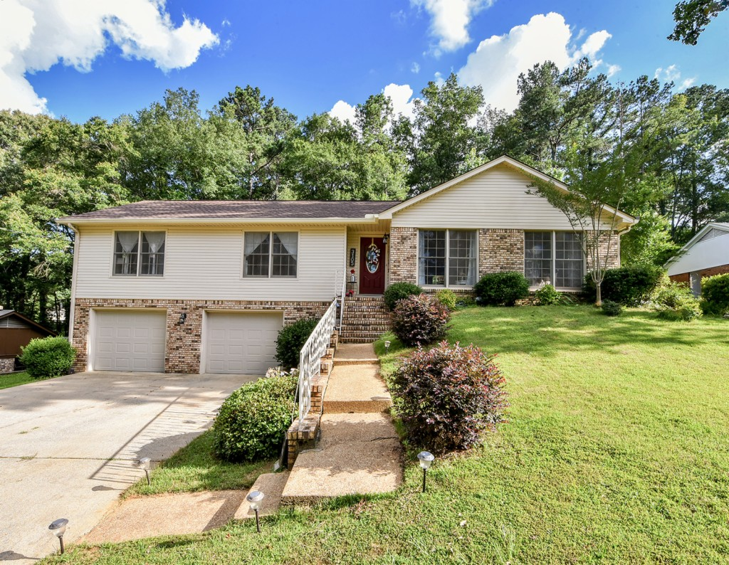 Photo of 3105 Mayberry Landing Drive  Northport  AL