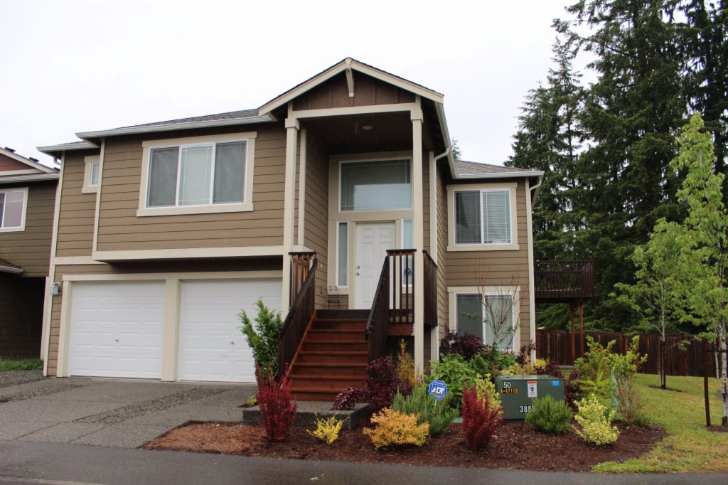 Photo of 2715 97th PL SE  Everett  WA