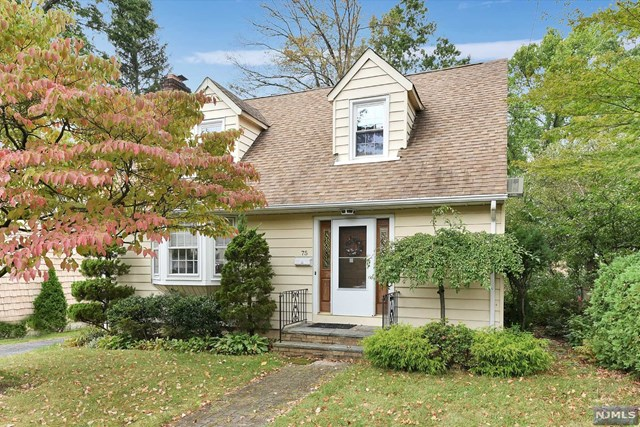 Photo of 75 Floral Ter  Tenafly  NJ