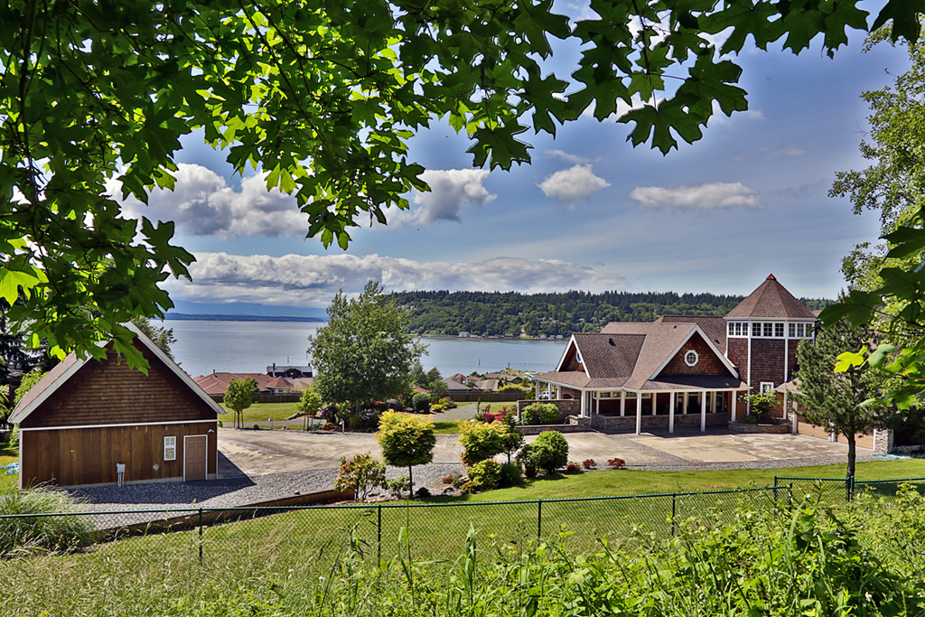 Photo of 8260 Coho Way  Clinton  WA