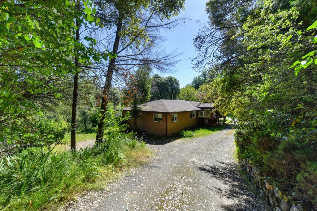 Photo of 2027 Streambed Lane  Placerville  CA