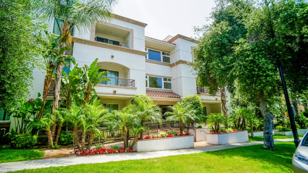Photo of 613 E Olive Ave  Burbank  CA