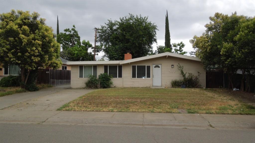 Photo of 403 Brookwood Rd  Roseville  CA