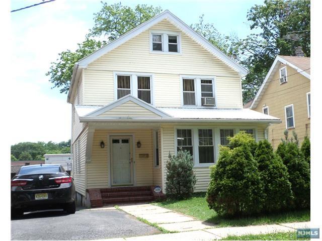 Photo of 701 Chestnut Ave  Teaneck  NJ