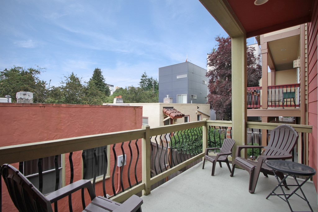 Photo of 4508 40th Avenue SW  Seattle  WA