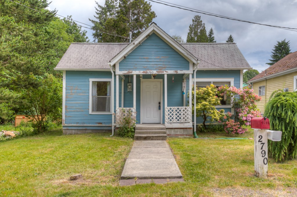 Photo of 2790 E 1ST ST  Port Orchard  WA