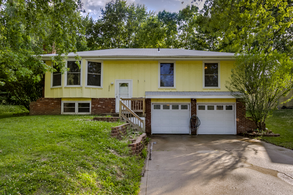 Photo of 14650 Clemstone Drive  Platte City  MO