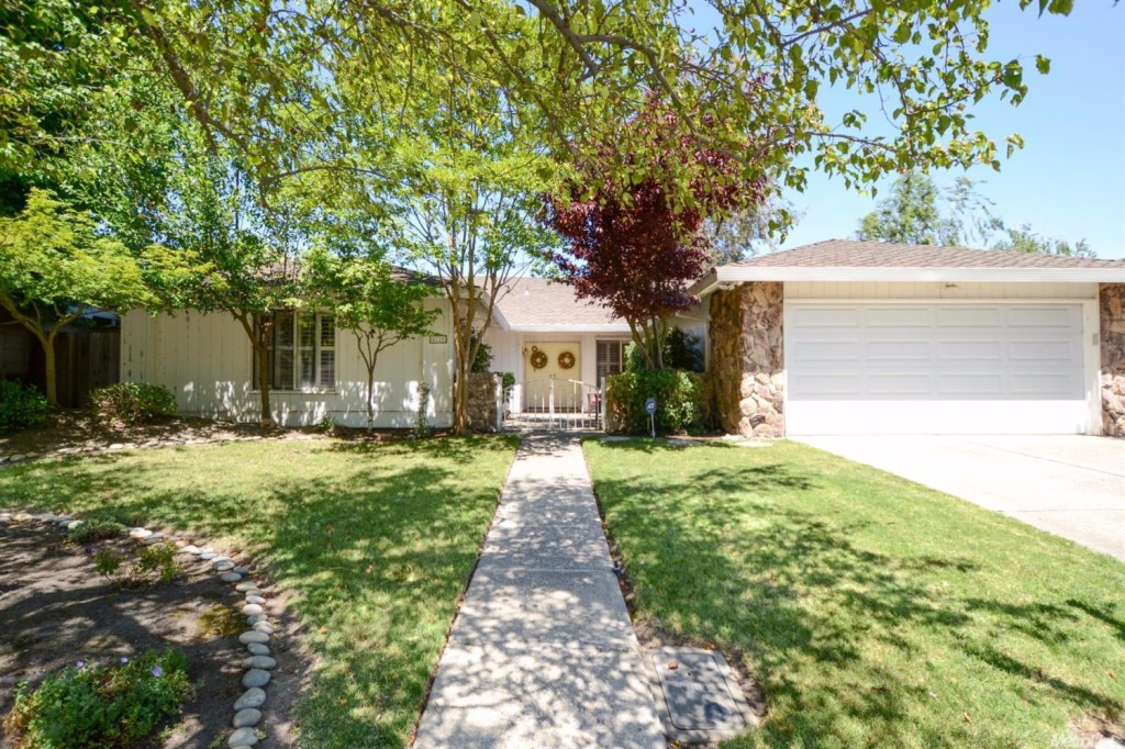 4220 Fort Donelson Drive, Brookside, California