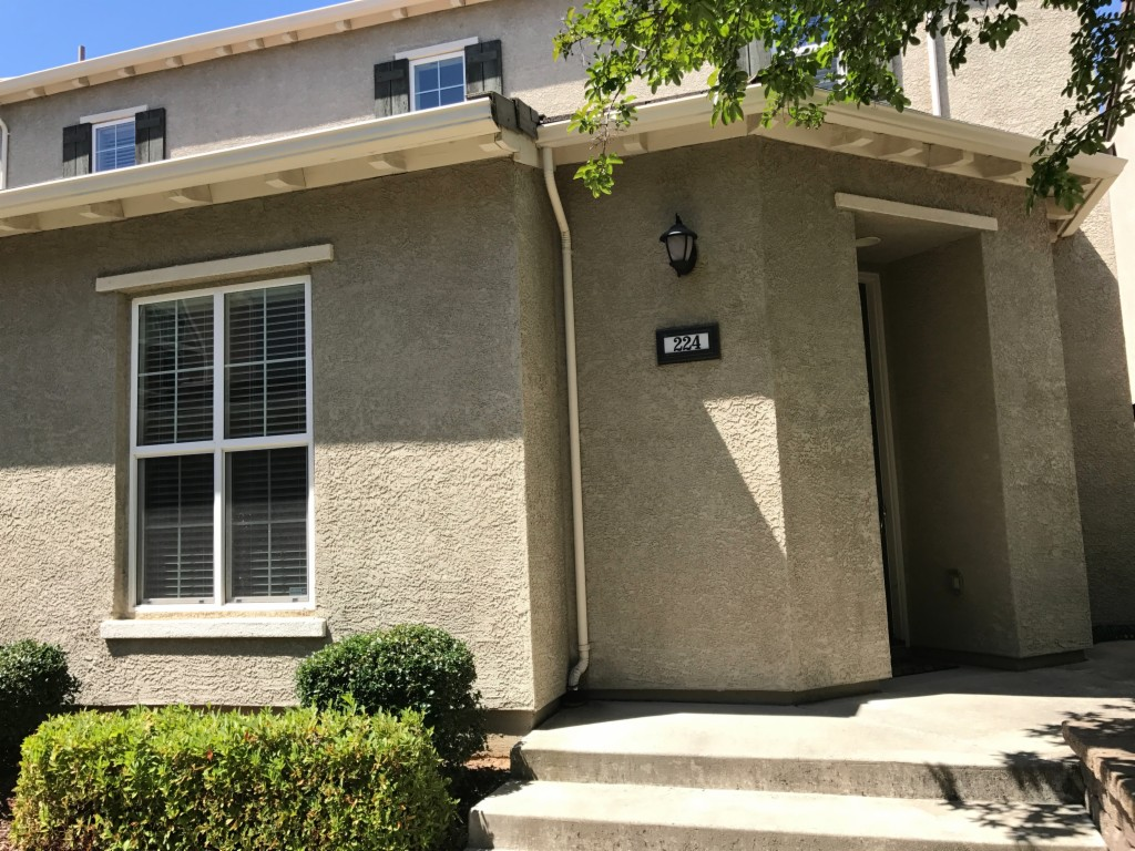 Photo of 224 Chambord Way  Roseville  CA