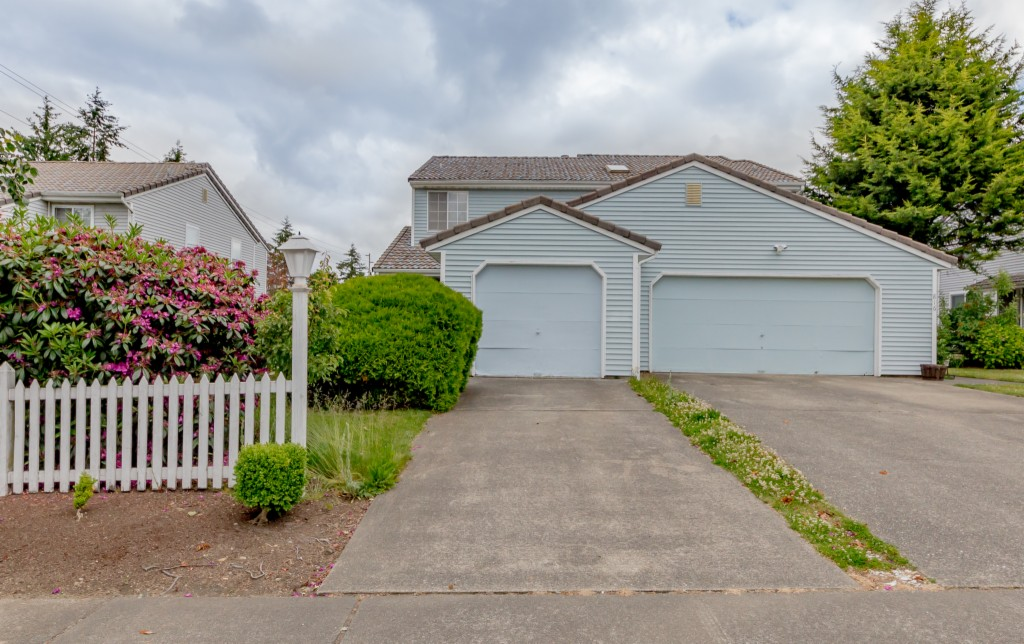 Photo of 814 S 310th Place  Federal Way  WA