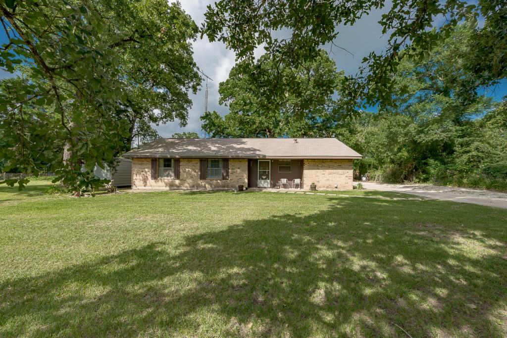 Photo of 21684 County Road 141  Bedias  TX