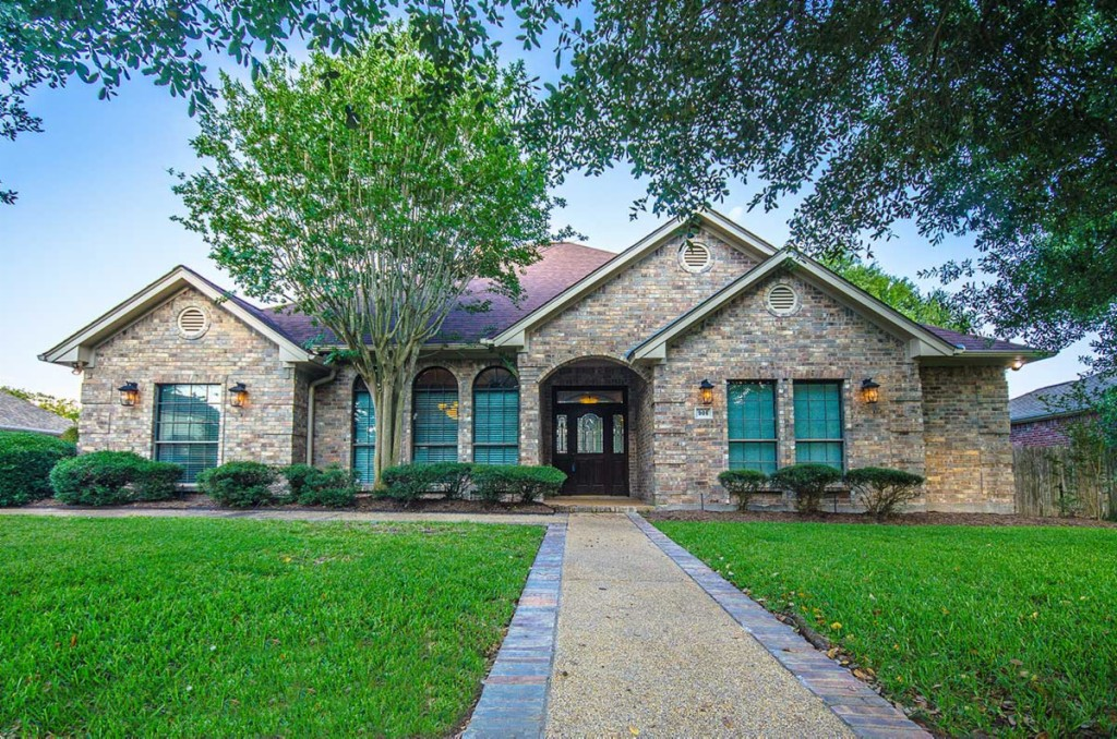 Photo of 906 Winged Foot Drive  College Station  TX