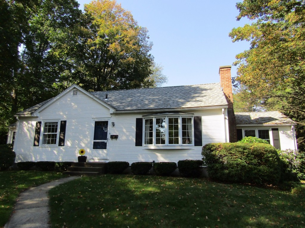 Photo of 15 Pleasant Place  East Longmeadow  MA