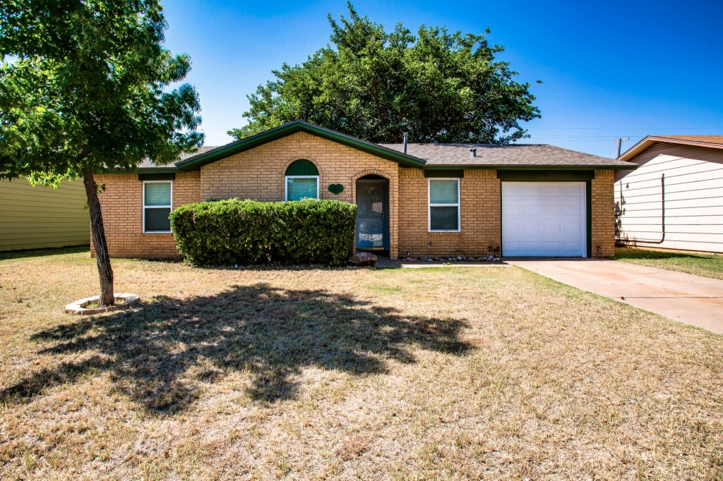 Photo of 1911 74th St  Lubbock  TX