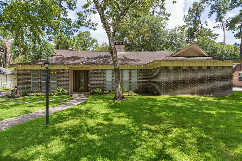 Photo of 218 W North Hill Drive  Spring  TX