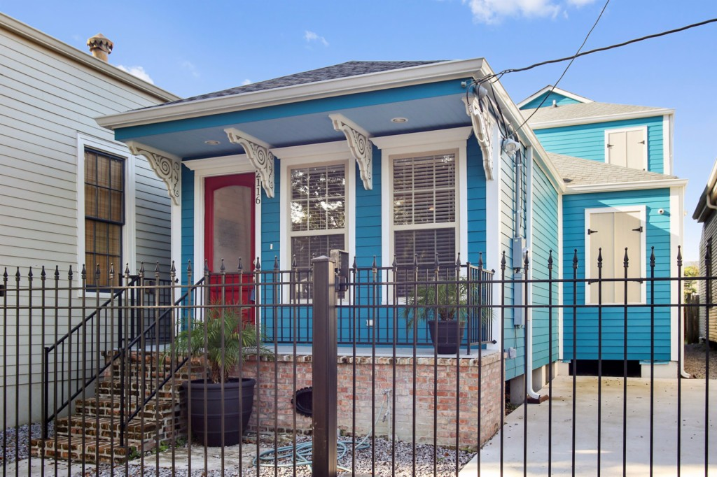 Photo of 2116 Bienville Street  New Orleans  LA