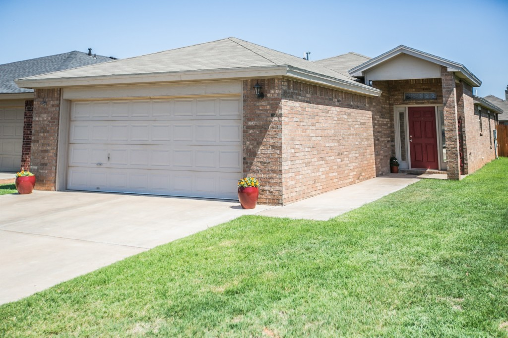 Photo of 2204 100th St  Lubbock  TX