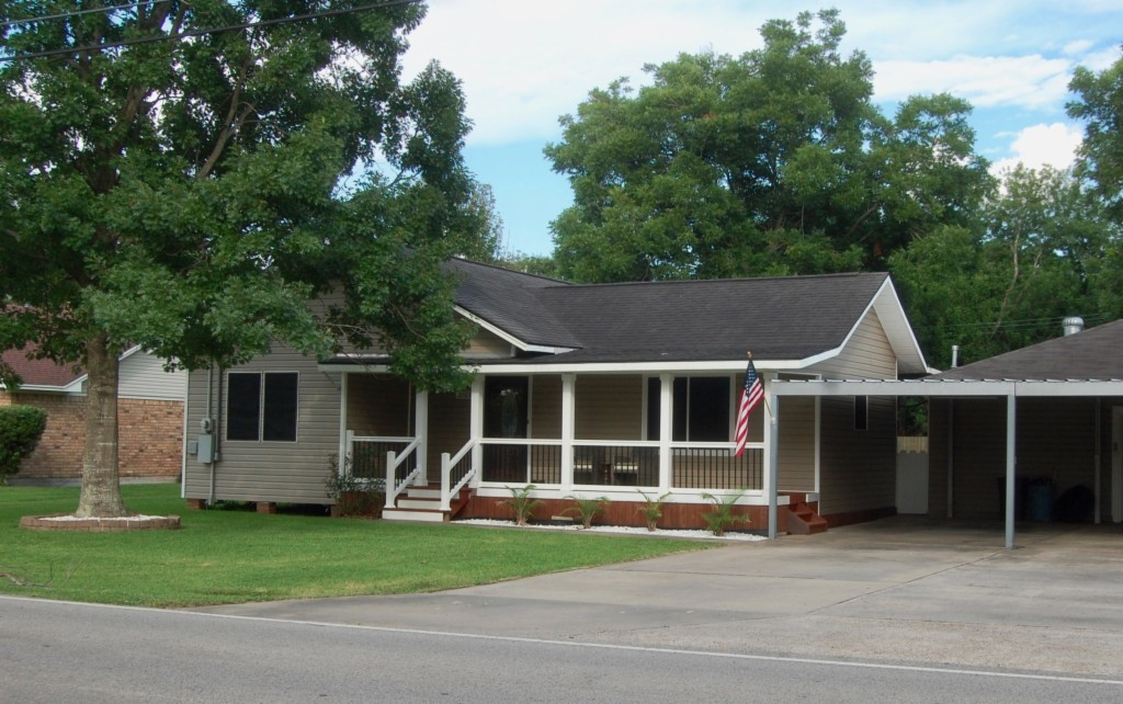 Photo of 2513 8th Street  Port Neches  TX