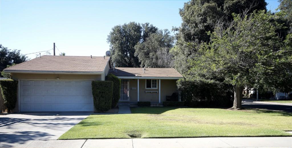 Photo of 9572 Sara Court  Riverside  CA