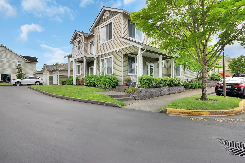 Photo of 6134 Lindsay Ave SE  Auburn  WA