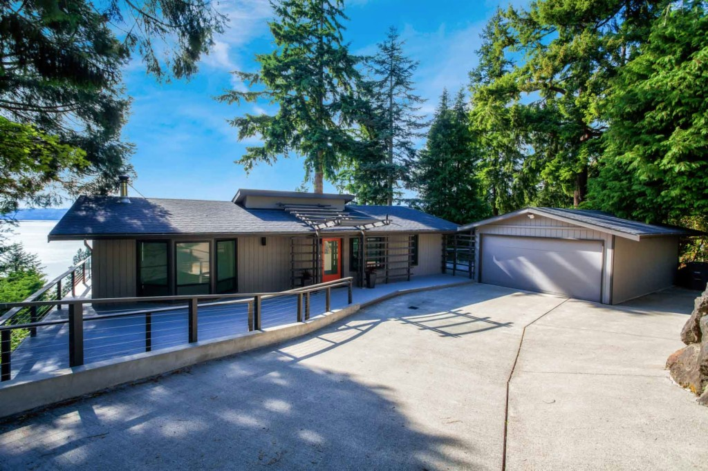 Photo of 15733 25th Ave SW  Burien  WA