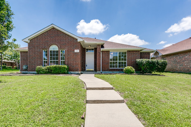 Photo of 2624 Hackberry Crk  Mesquite  TX