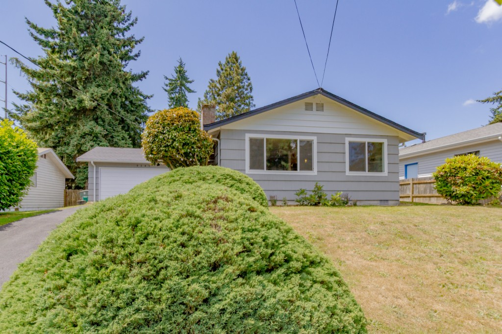 Photo of 9245 11th Ave SW  Seattle  WA