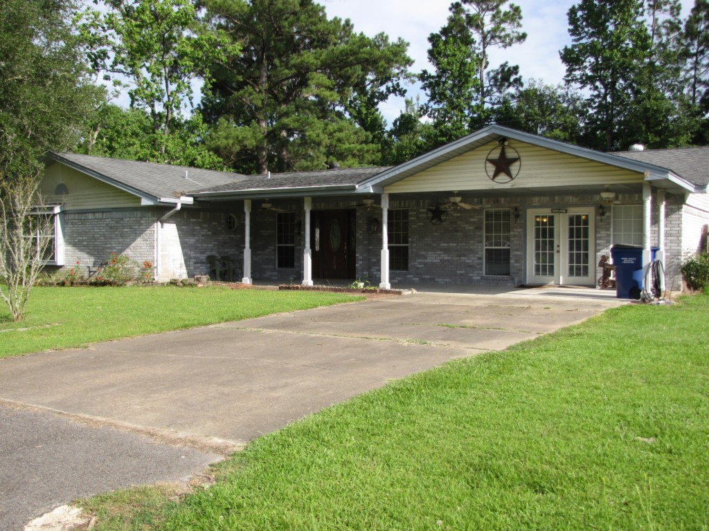 Photo of 106 Lucky Dr  Silsbee  TX