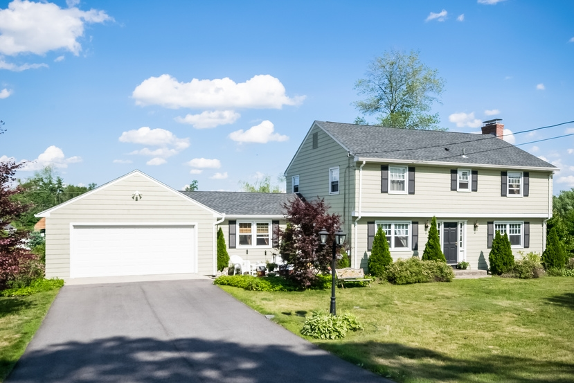 Photo of 10 Brookside Circle  Wilbraham  MA