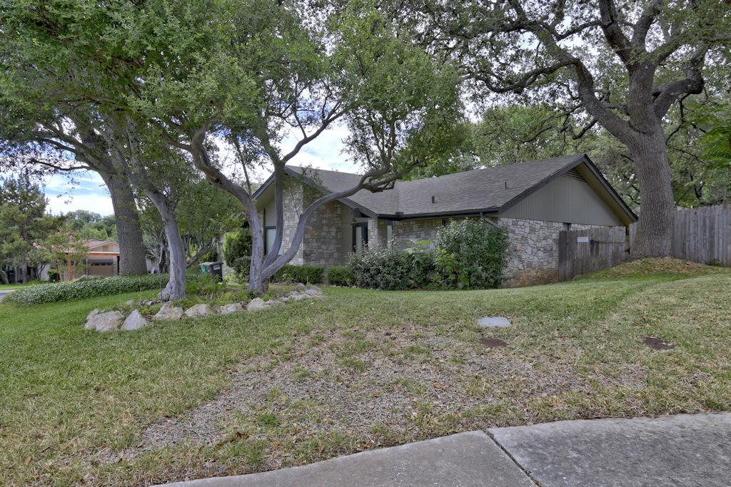 Photo of 13310 Barnsbury Square  San Antonio  TX