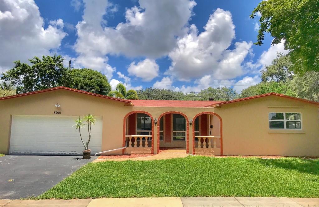 Photo of 8901 SW 49th CT  Cooper City  FL