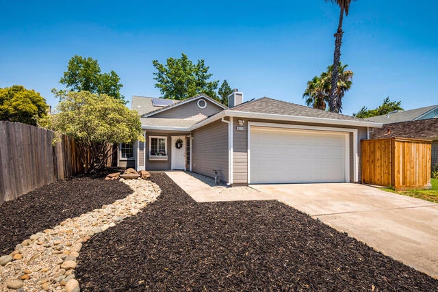 4315 Old Dairy Dr Antelope, CA 95843