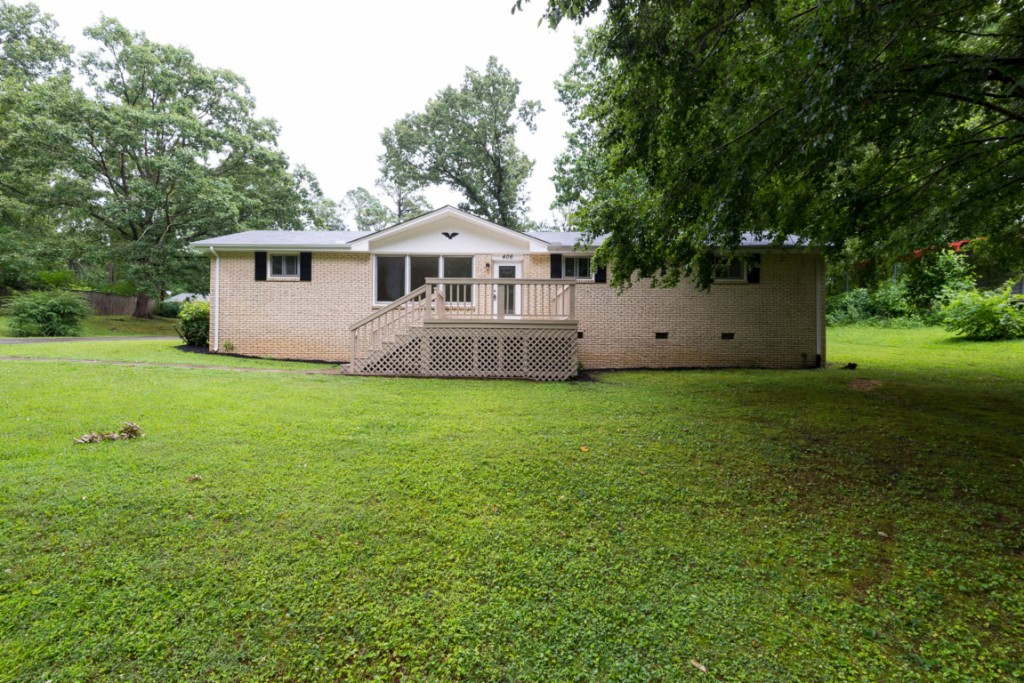 Photo of 406 Broadview Dr  Dickson  TN
