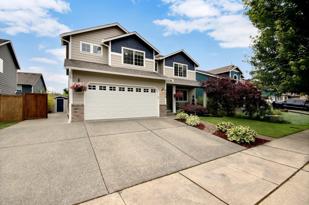 Photo of 27629 240th Ave SE  Maple Valley  WA