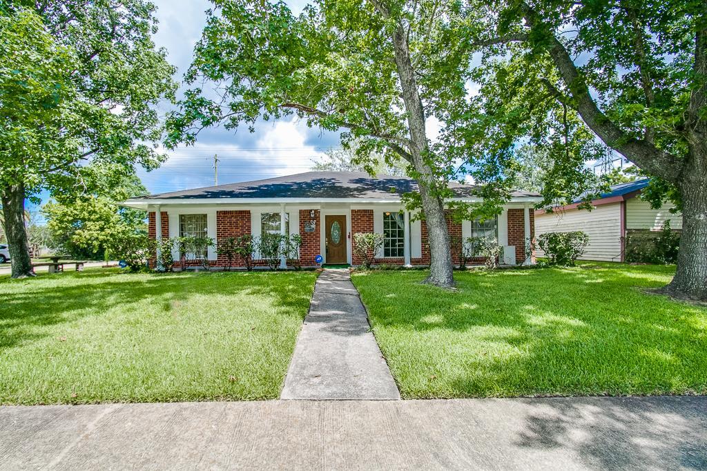 Photo of 11622 Sagedowne Lane  Houston  TX