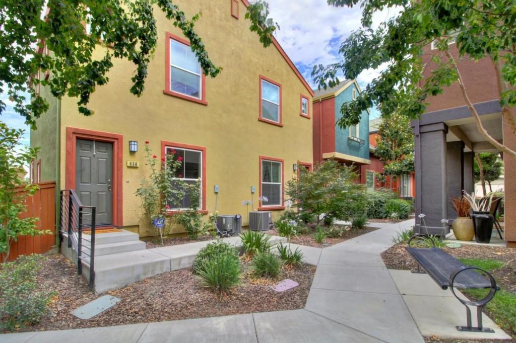 Photo of 840 Bronze Lane  West Sacramento  CA