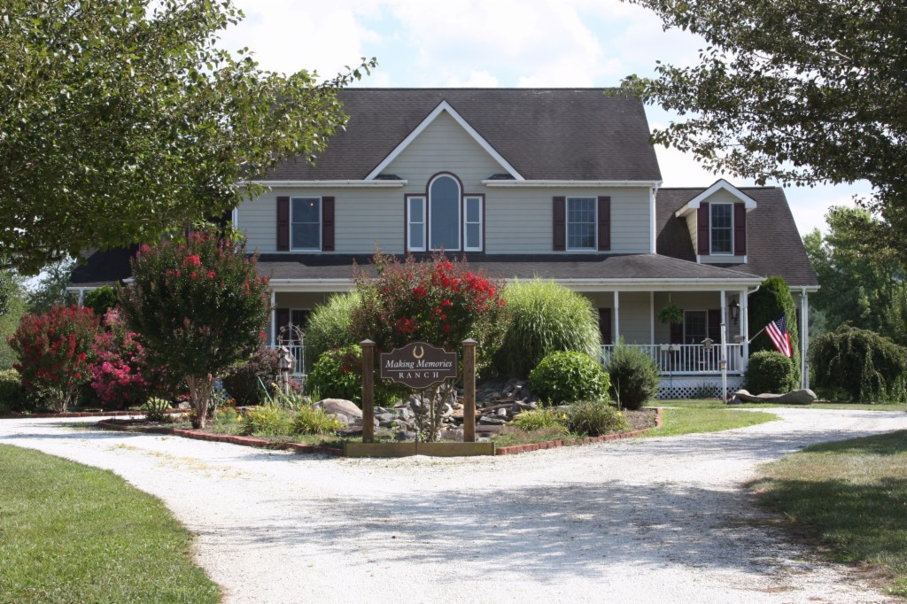 Photo of 212 Benton Farms Ln  Horse Shoe  NC