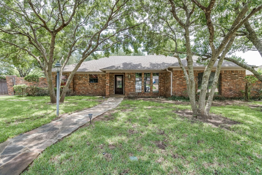 Photo of 1308 Dendron  Hewitt  TX