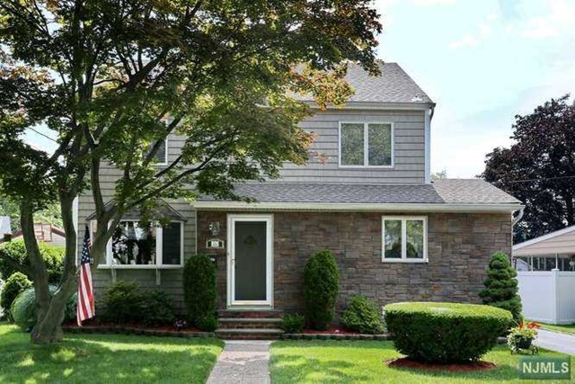 Photo of 26 Shelley Ct  Bergenfield  NJ