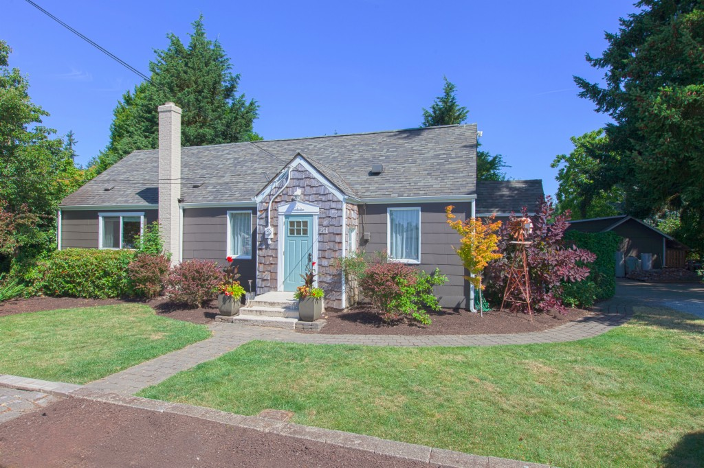 Photo of 211 107th St SE  Everett  WA
