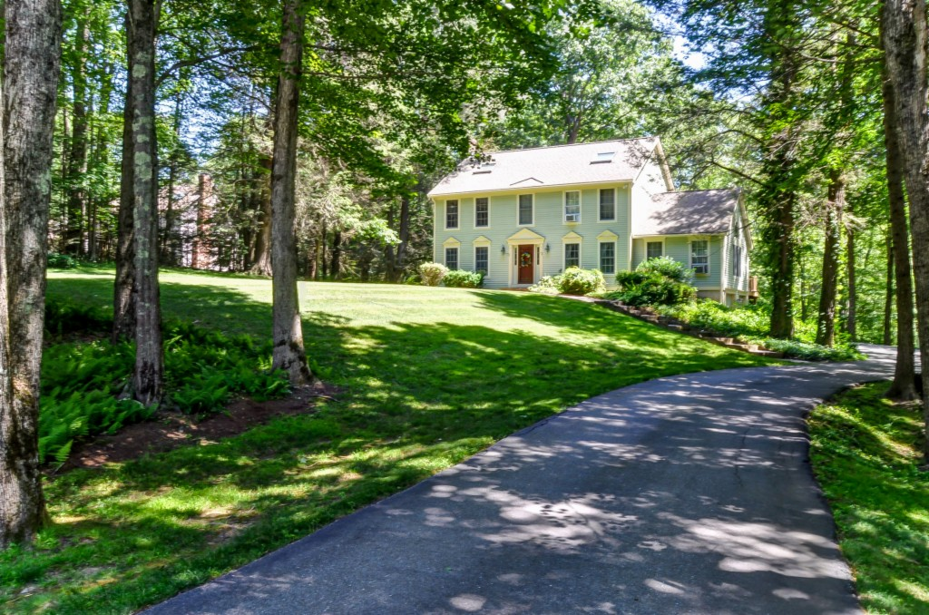 Photo of 21 Rollin Farms  Stratham  NH