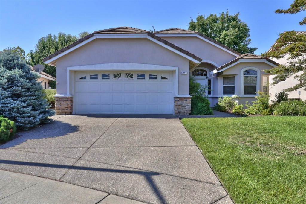 Photo of 5240 Campcreek Loop  Roseville  CA