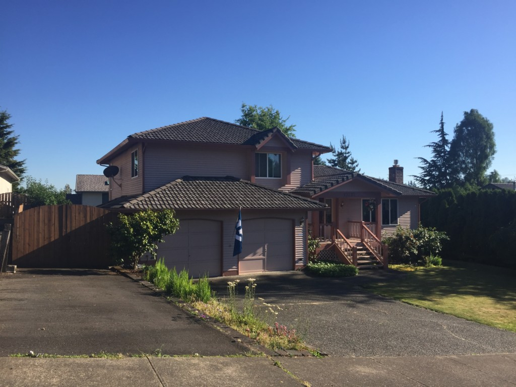 Photo of 13727 SE 200th ST  Kent  WA