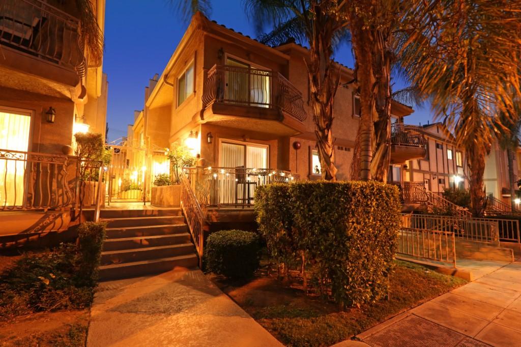 Photo of 550 E Santa Anita Ave  Burbank  CA